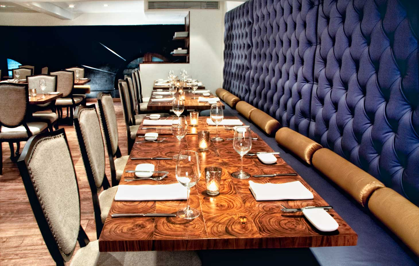 Design pataki picks top 5 restaurants in bombay design for Best dining tables in mumbai