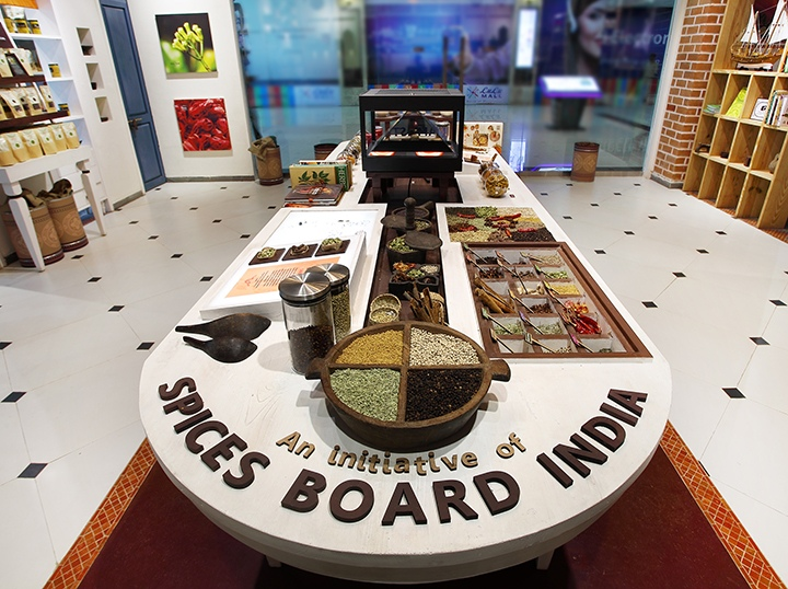 Spices-India-by-Four-Dimensions-Retail-Design-Kochi-India-08