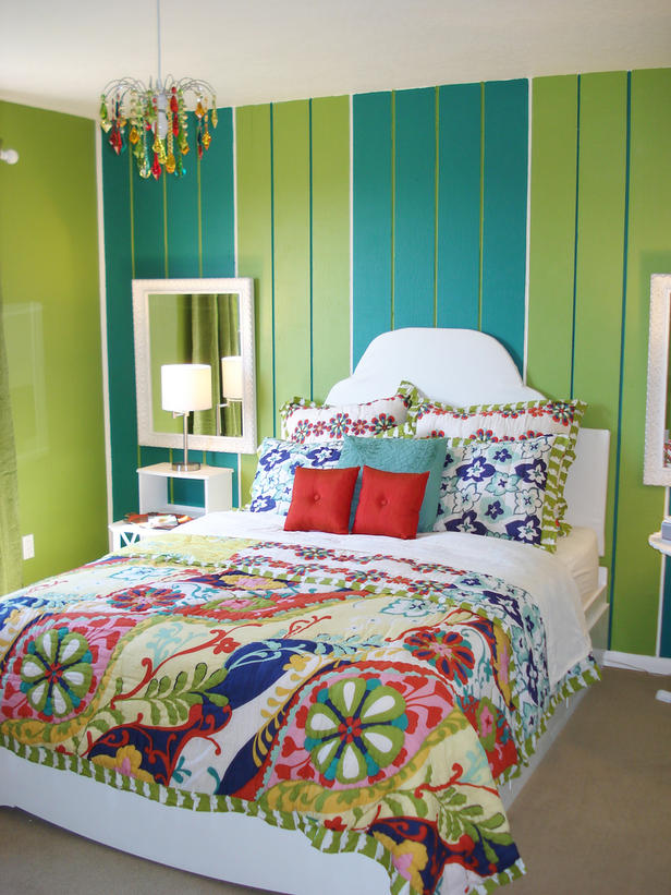 RMS_nesting-striped-teen-bedroom_s3x4_lg
