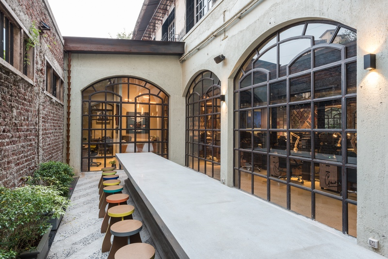 An Abandoned Warehouse in Mumbai Converts Into a Dynamic