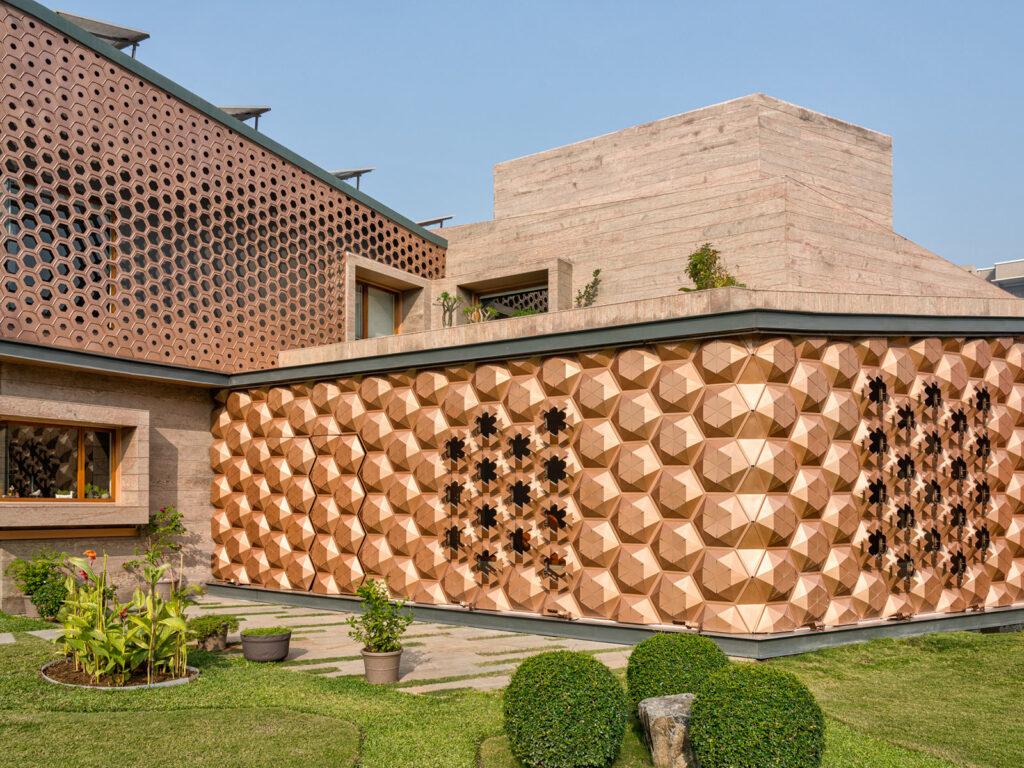Facade-Article-Design-Pataki